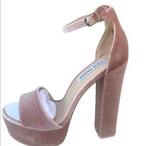 Steve Madden Blush velvet sandal NWT